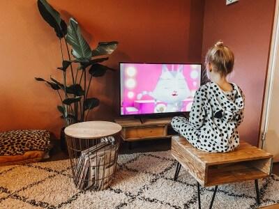 Foto - Mijn haat- en liefde verhouding met het televisiekijk gedrag van mijn dochter.